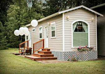 nicolebernie-9553-bridal-changing-quarters